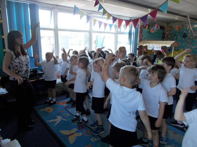 Year 1 learning the Senegalese popstar dance